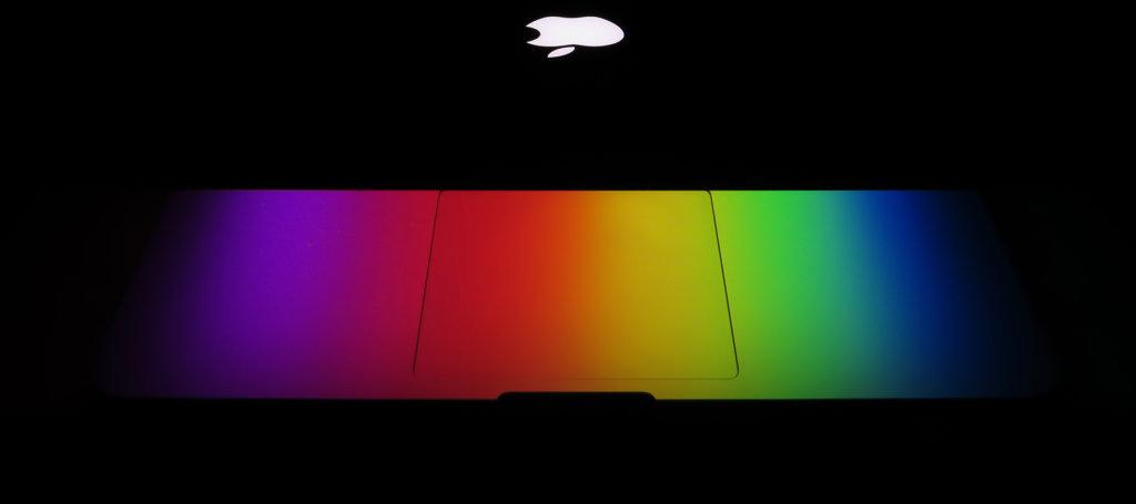 JABŁKO plus OPTION, czyli serwis Apple za czasów systemów klasycznych. Z archiwum MMM