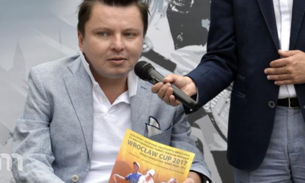 Podróże bez barier. Wywiad z Bartłomiejem Skrzyńskim