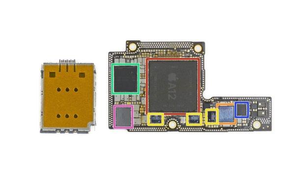 iPhone Xs i Max rozebrane, a w środku kilka istotnych niespodzianek